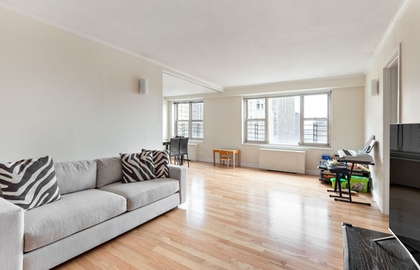 137 east 36th street 23b livingroom jpg
