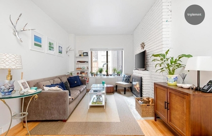160 east 26th street 4h 04 24 2019 livingroom2 jpg