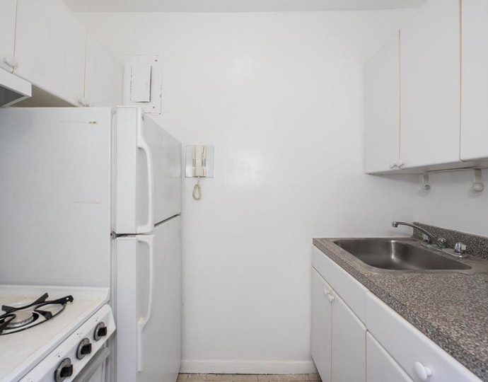 166 east 35th street 14c 04 01 2019 kitchen jpg
