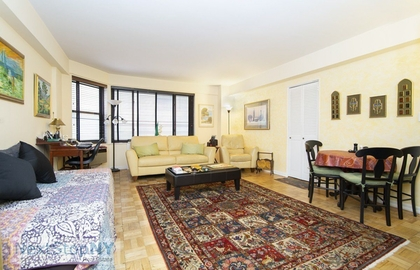 200 east 36th street 6j 2018 livingroom jpg