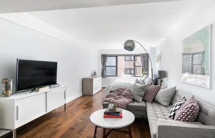210 east 36th street 8j 02 06 2019 livingroom jpg