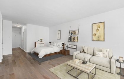 240 east 35th street 10e 2018 livingroom jpg