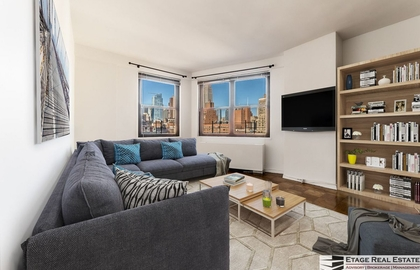245 east 25th street 14a 01 18 2018 livingroom jpg
