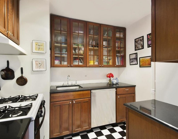251 east 32nd street 8a kitchen area jpg