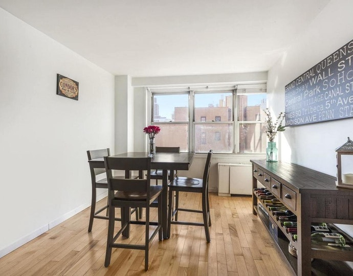 251 east 32nd street 8g 2019 diningarea jpg
