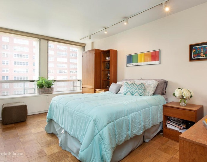 300 east 33rd street 5m 2018 bedroom jpg