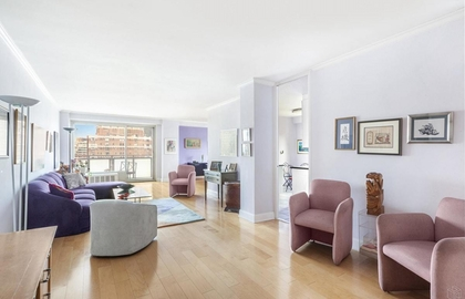 300 east 40th street 32c living area jpg