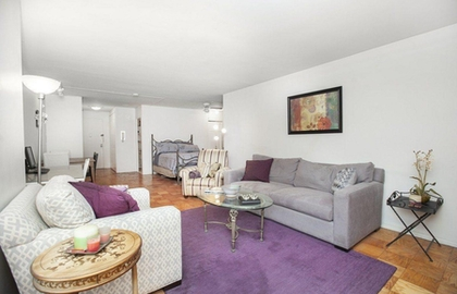 305 east 24th street 4m 10 25 2018 livingroom jpg