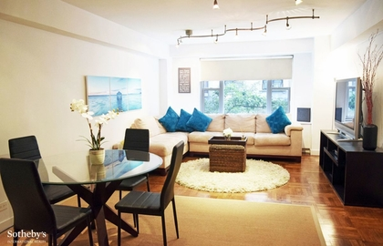 310 lexington ave 3j 2018 2 livingroom jpg