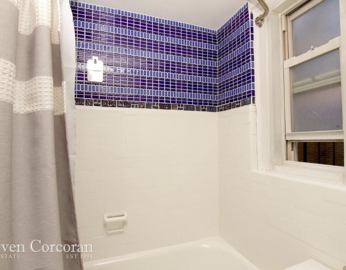 321 east 43rd street 806 toilet bath jpg