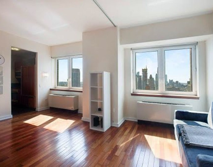 425 fifth avenue 46c 03 19 2019 livingroom jpg