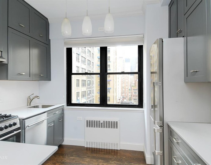 7 park avenue 126 2018 kitchen jpg